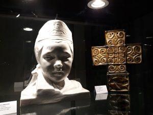 """Exposition """"Quimper 3 siècle de Faïences""""."""