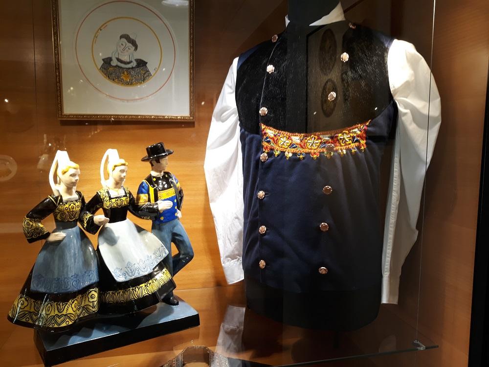 Micheau-Vernez - Costume Quimpérois.