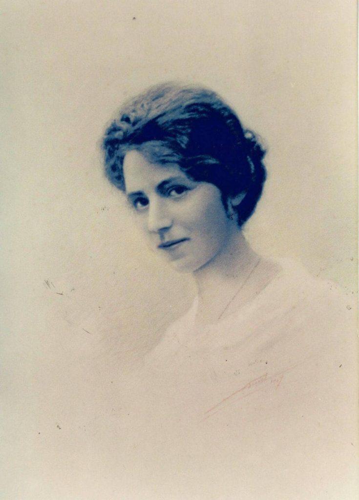 Jeanne Malivel.